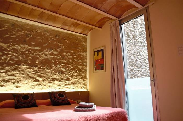 Room Somniem in Can Bo de Pau, Salt, Girona 1