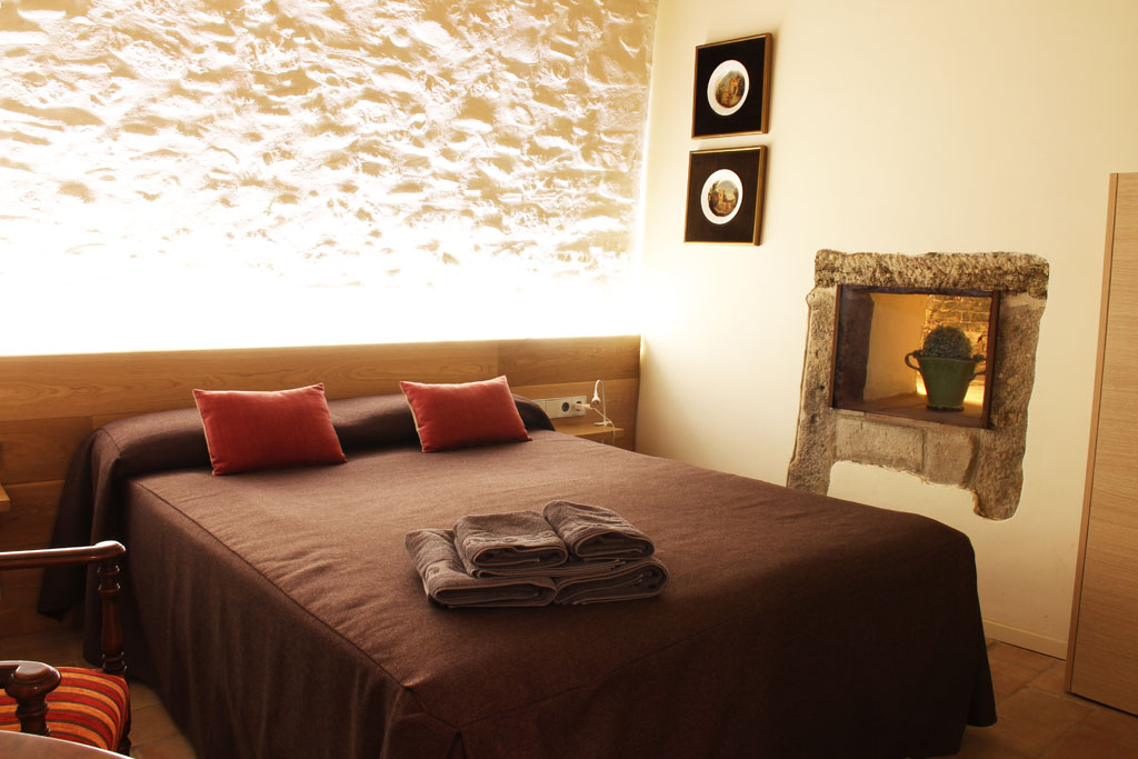 Room el Fornet in Can Bo de Pau, Salt, Girona 0
